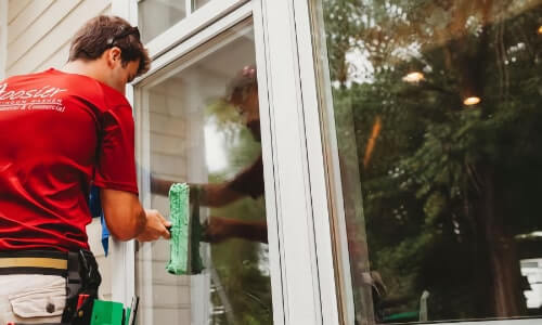 Residential Window Washer in Valparaiso, IN